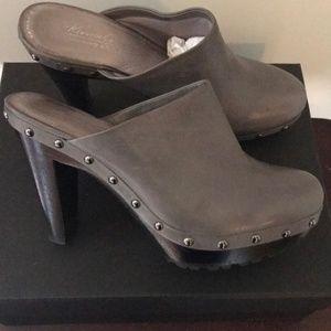 Kenneth Cole Mule Heels gray  9